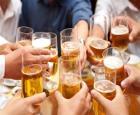 """Sớm tập tành rượu bia, nguy cơ """"ung thư đàn ông"""" tăng cao"""