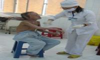 Buồn vui nghề điều dưỡng bệnh da liễu