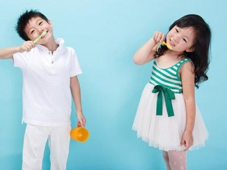 Đánh răng giúp giữ dáng
