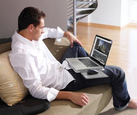 Sử dụng máy tính xách tay trực tiếp trên đùi với nhiệt độ quá nóng sẽ không tốt cho sức khỏe sinh sản