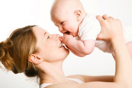 Sinh con muộn có tốt không và đâu là độ tuổi thích hợp để có con?. Ảnh minh họa
