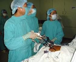 Một ca nội soi xử lý xuất huyết dạ dày.
